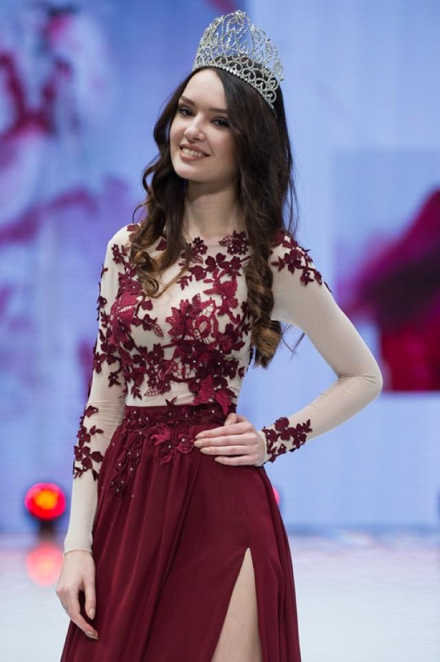 4 grudnia w Centrum Promocji Mody, Agata Bryl zaprezentowała stroje w jakich wystąpi podczas Miss Intercontinental 2015