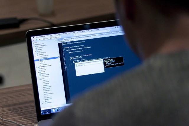 Zagrożenie infekuje komputery ofiar koniem trojańskim Danabot.
