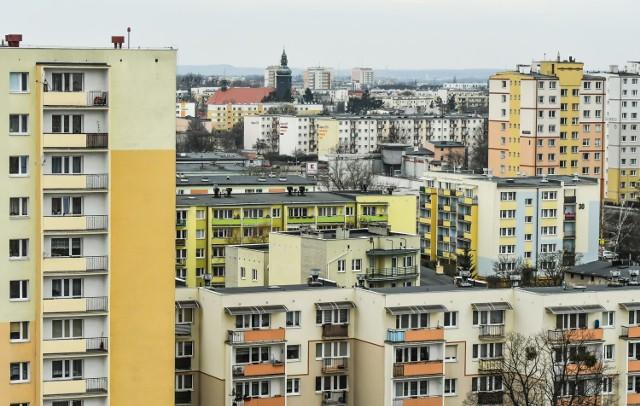 Mieszkania drożeją na rynkach pierwotnym i wtórnym. Mimo to, chętnych na zakup nieruchomości jest wielu.