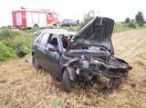 POWIAT GNIEŹNIEŃSKI - Auto koziołkowało, dwie osoby w szpitalu