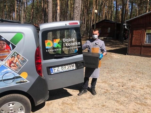 Ośrodek Temar w Kołatce (gmina Bobrowice) i Dąbiu umożliwiają osobom objętym kwarantanną spędzenie dwóch tygodni w ich obiektach, gdzie wszystko jest dostosowane oraz ośrodki oferują świeżą żywność w hermetycznych opakowaniach.