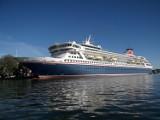 Piękny wycieczkowiec o długości 218 m  MV Balmoral zacumował w Świnoujściu