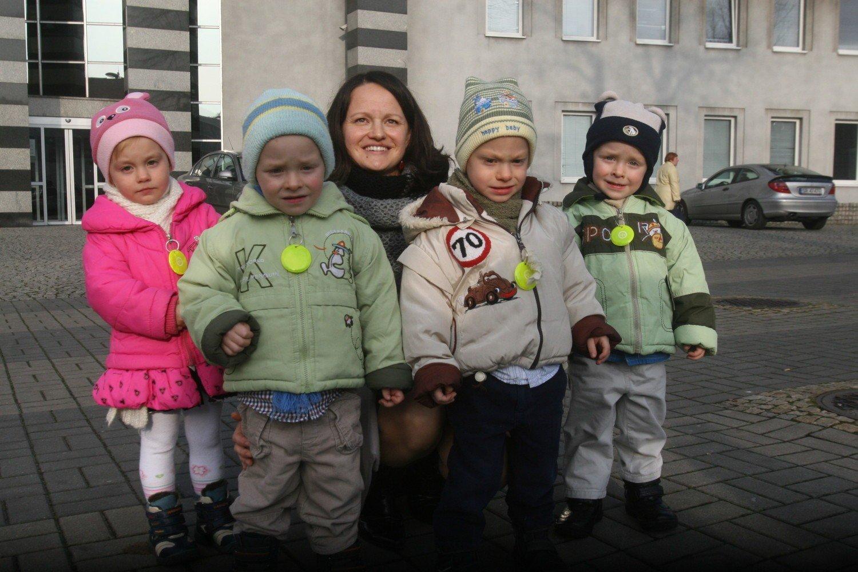 f79095d4bf Czworaczki z Rybnika kończą trzy latka. Dzieci rosną jak na ...