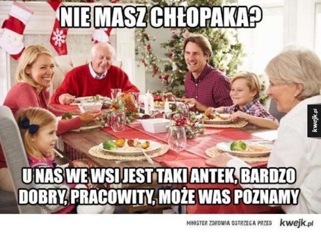 Memy o Wigilii potwierdzają jedno - wszyscy mamy podobne doświadczenia z wigilijnych spotkań z rodziną. Ty też z góry wiesz, co usłyszysz przy świątecznym stole i jakie życzenia będą ci składane? Jeśli w Wigilię chcesz po prostu przetrwać, podejdź do tego z humorem - pomogą ci wigilijne memy. Zobacz tylko najlepsze!