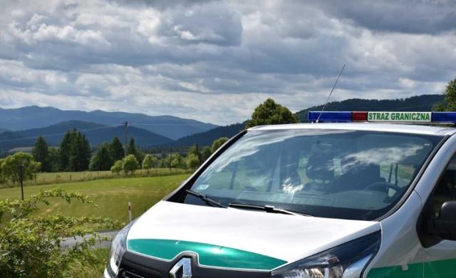 Ośmiu nielegalnych imigrantów Straż Graniczna zatrzymała w okolicach Arłamowa.