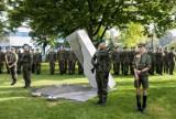 Toruń: Nowa instalacja w Parku Pamięci odsłonięta. To hołd dla bezimiennych ofiar Zbrodni Pomorskiej [zdjęcia]