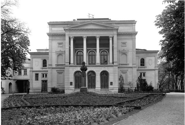 Tak wyglądał budynek Teatru Miejskiego na Wyspie Teatralnej (wcześniej Wyspie Strzeleckiej) w Gubinie.