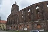 Czy fara w Gubinie kiedyś doczeka się odbudowy? Wieża znów będzie dla turystów, ale co ze szklanym dachem?