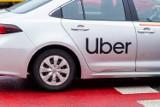 Wulgarna klientka Ubera. Wyzywała i opluwała kierowcę [WIDEO]