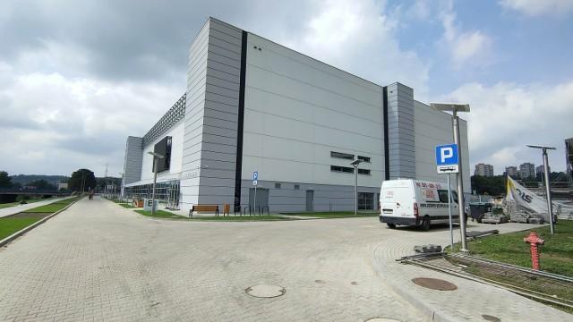 Tak prezentuje się nowa Będzin Arena. Wnętrze hali wszyscy zobaczymy wkrótce   Zobacz kolejne zdjęcia/plansze. Przesuwaj zdjęcia w prawo - naciśnij strzałkę lub przycisk NASTĘPNE