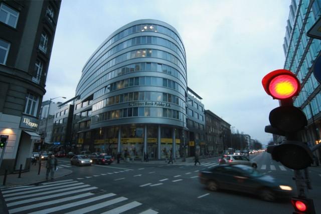 Jedno biuro na dziesięć w Warszawie stoli puste. Sytuacja zmieni się dopiero za kilka lat