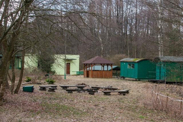 Wagonowe domki wkrótce znikną ze stanicy, zastąpią je nowe domki turystyczne.