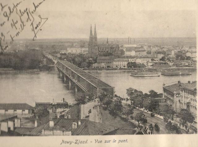 Widok na most Kierbedzia i Pragę. W lewym rogu dedykacja.