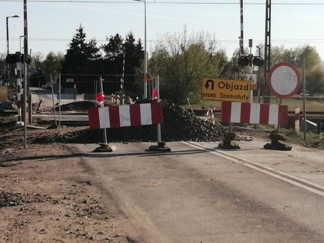 25 stycznia po raz kolejny zamknięty zostanie przejazd kolejowy pomiędzy Kępą, a Piaskowem. Utrudnienia potrwają do końca lutego