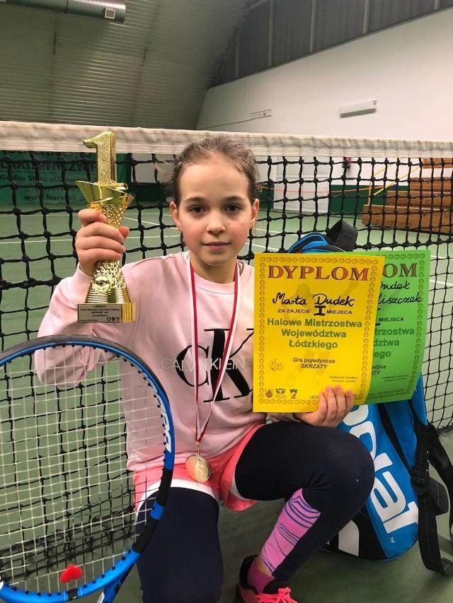 Młoda tenisistka z Bełchatowa walczy w turniejach z rywalkami o rok starszymi