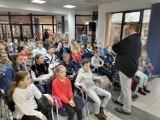 Spotkanie z Pawłem Wakułą w Miejskiej Bibliotece Publicznej w Radomsku [ZDJĘCIA]