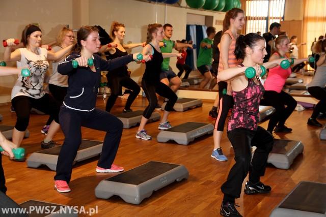 W grupowej metamorfozie wziąć mogą panie w wieku od 18 do 45 lat, których stan zdrowia pozwala na intensywny wysiłek fizyczny.