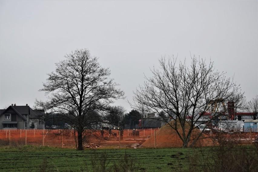 Zbąszyń: Na placu budowy nowej remizy strażackiej, praca wre - 10 grudnia 2020 [Zdjęcia]