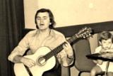 Piosenkarz Maciej Wróblewski odwiedzał Krosno Odrzańskie. Raz dawniej, raz nie tak dawno. Zobaczcie zdjęcia Stanisława Straszkiewicza