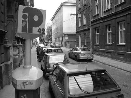 Bezużyteczne dziś parkomaty wciąż przysparzają problemów. fot. JACEK ROJKOWSKI