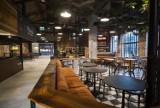 Największy food hall w Warszawie już otwarty. Do wyboru macie 23 knajpy i 4 bary