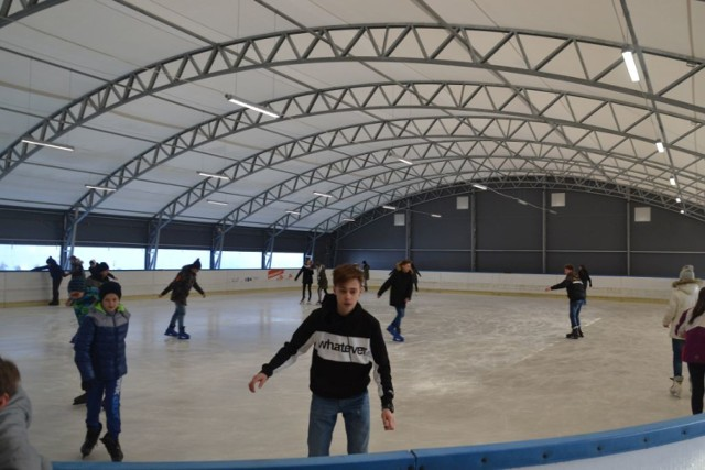 Lodowisko przy SP 11 w Suwałkach zostanie otwarte w sobotę 19 grudnia