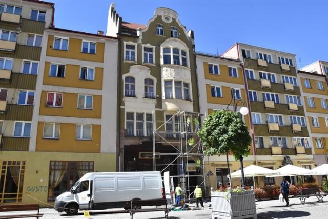 Rozpoczął się remont kamienicy Cechu Rzemiosł Różnych w Legnicy.