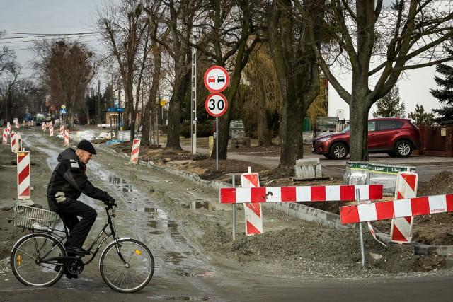 Jest cień nadziei, że remont ulicy zmierza ku końcowi.