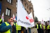 Co z pracownikami krakowskiej huty ArcelorMittal Poland? Kto ich zatrudni? Jakie odprawy dla odchodzących? Trwają negocjacje, powstanie plan