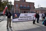 Protest antycovidowców w Częstochowie. Marsz został rozwiązany zanim wyruszył z Placu Biegańskiego