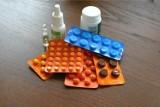 Etopiryna Extra i Amol wycofane ze sprzedaży! Wycofano dwie serie leku