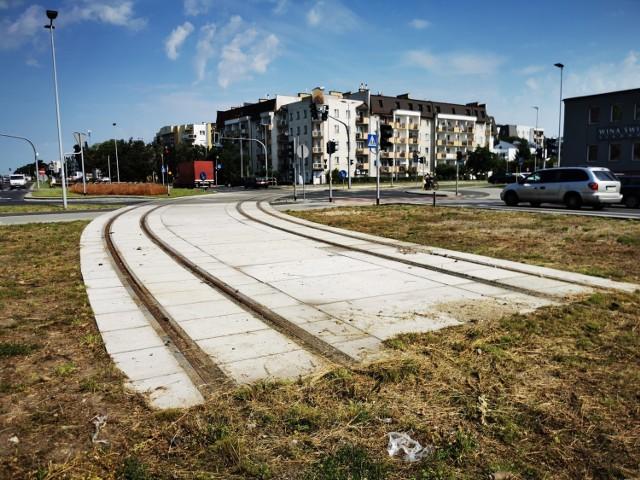 Linia tramwajowa na osiedle JAR powstanie później niż przewidywano. Przetarg na wykonanie inwestycji miał zostać ogłoszony w pierwszej części 2020 roku. Termin ten przesunięto. Kiedy pojedziemy tramwajem na JAR?