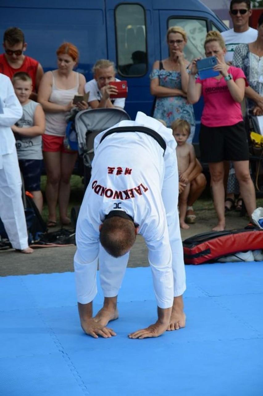"""Pokazy i warsztaty taekwondo. Kolejny dzień Święta Jeziora"""" 2018 w Zbąszyniu"""