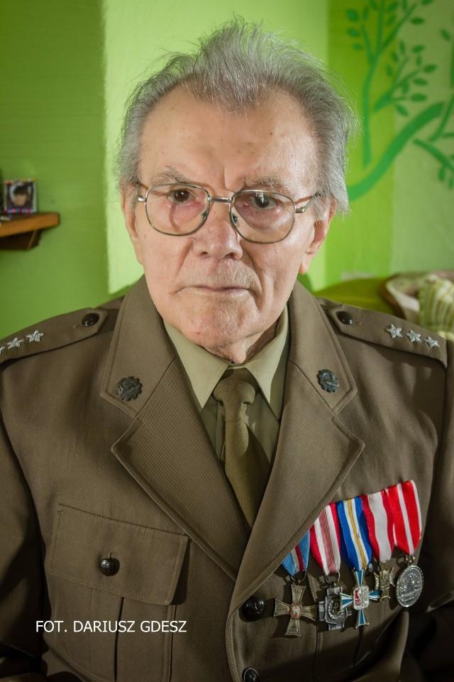 Ignacy Sarnecki - żołnierz wyklęty z Wałbrzycha. Za działalność niepodległościową skazany przez komunistyczny reżim na śmierć. Do dziś nosi w ciele dwa pociski wystrzelone przez ubeka.