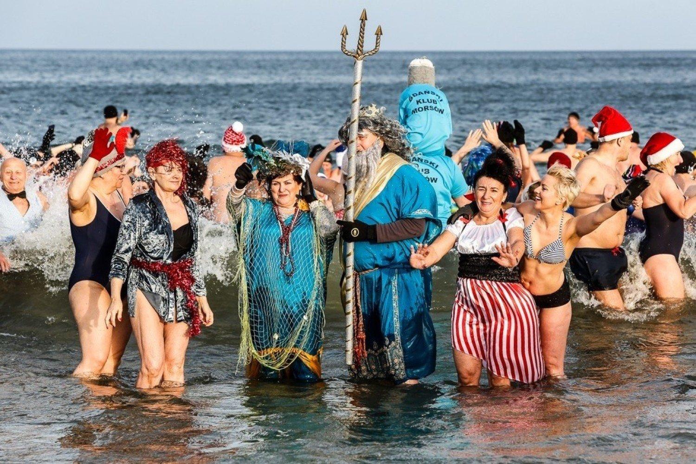 1 stycznia 2020. Morsy na plaży w Jelitkowie. Kąpiel noworoczna [zdjęcia] | Gdańsk Nasze Miasto