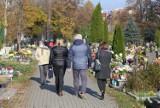 Pierwszy weekend po Wszystkich Świętych. Na cmentarzach w Katowicach tłoczno