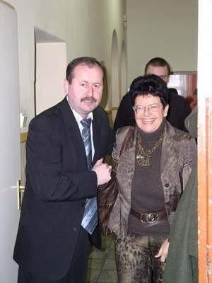 Burmistrz Arseniusz Finster złożył legitymację członkowską, a Regina Szymańska przepadła w wyborach na przewodniczącego SLD w powiecie chojnickim.