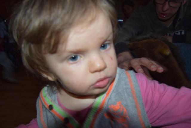 Dwuletnia Milenka taka jakaś zadumana...