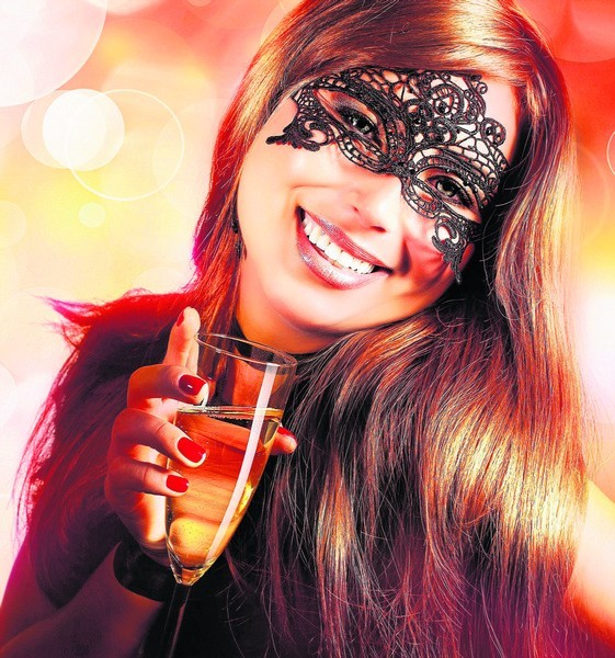 Pomyślności, zdrowia, miłości, pieniędzy - będziemy sobie życzyli, wznosząc toast winem musującym albo szampanem