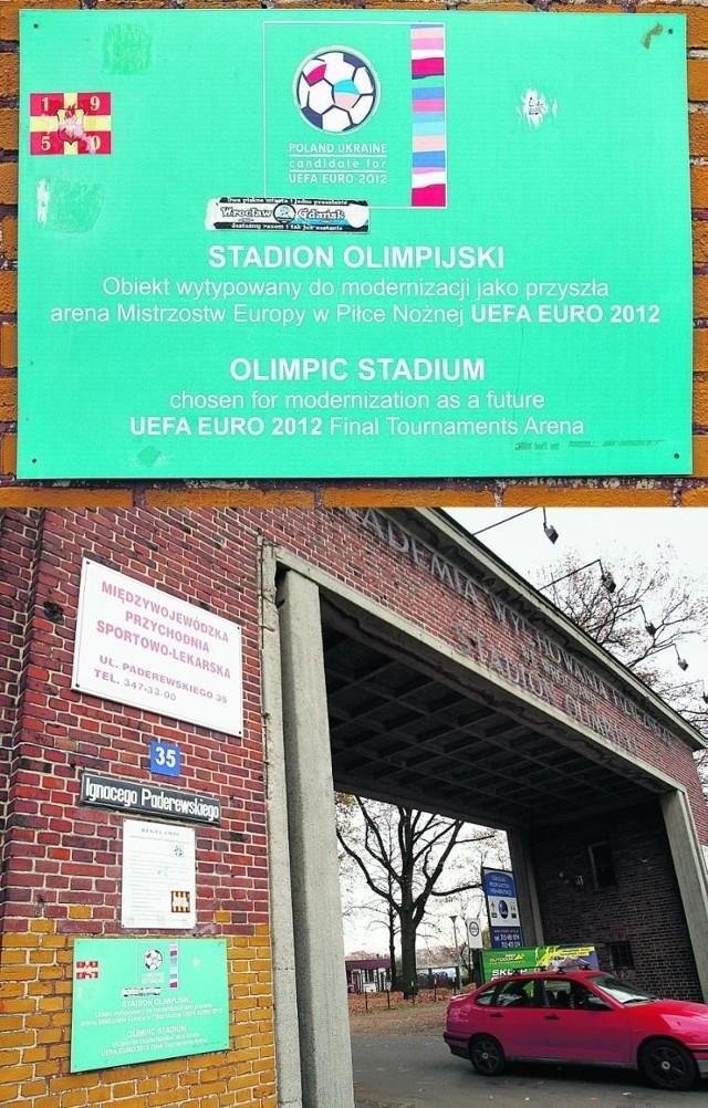 Stadion Olimpijski jest reklamowany jako arena Euro 2012