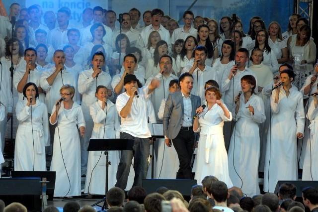 Koncert Chwały na placu Litewskim