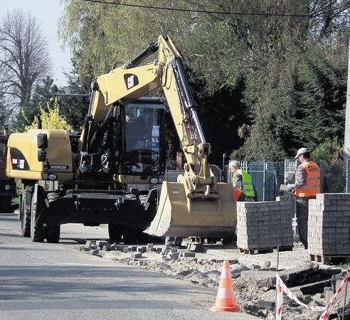 Kierowcy pojadą dwoma pasami ulicą Jana III Sobieskiego na początku maja, gdy gotowy będzie asfaltowy dywanik