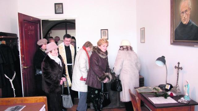 Celę św. Maksymiliana Kolbego franciszkanie udostępnią do zwiedzania
