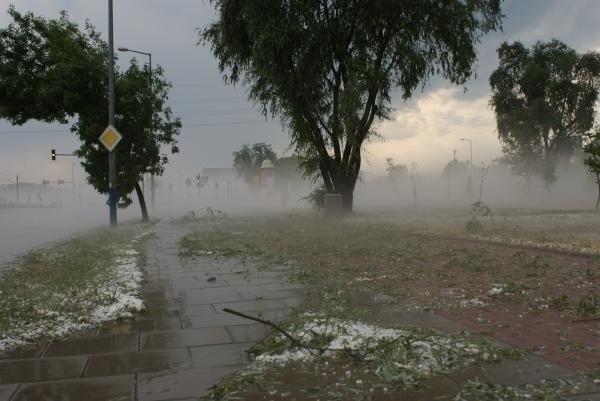 Meteorolodzy ostrzegają - w sobotę w Wielkopolsce mogą wystąpić gwałtowne burze i gradobicie