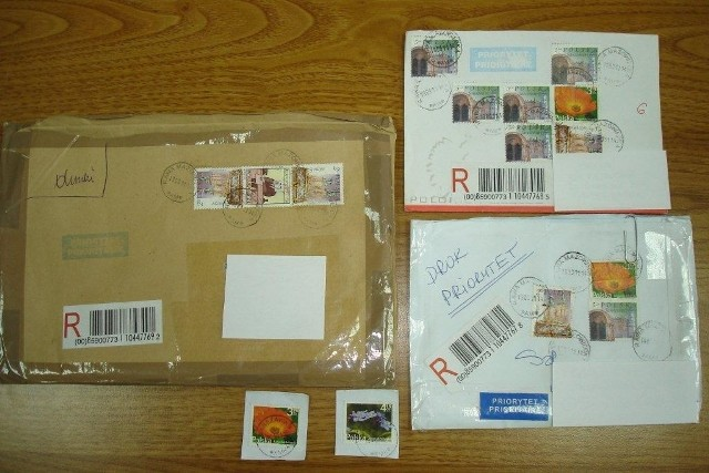 Podrobione znaczki pocztowe na rynku