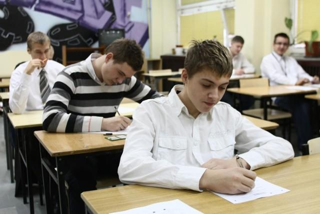 Próbny egzamin gimnazjalny z języka rosyjskiego w 35 gimnazjum w Łodzi.