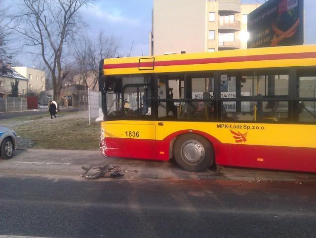 3 osoby zostały ranne w zderzeniu samochodu osobowego z autobusem MPK.