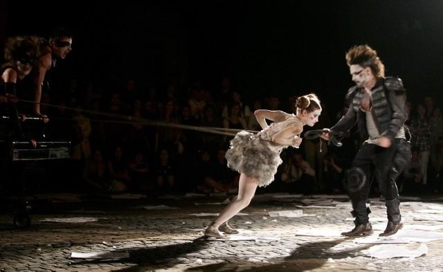 Festiwal Sąsiedzi: Spektakl Salto Mortale