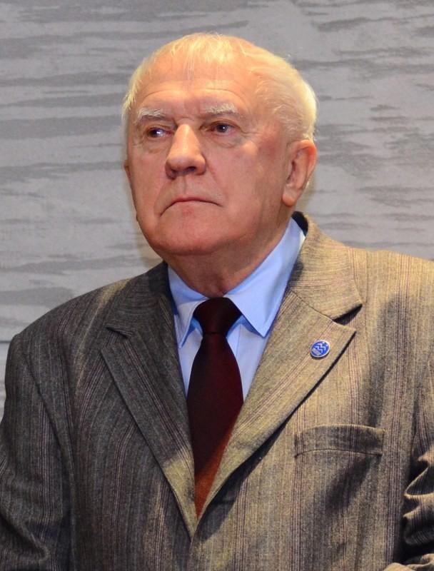 """Profesor Jacek Łuczak, szef Hospicjum Palium w Poznaniu, który w plebiscycie """"Głosu Wielkopolskiego"""" został wybrany Człowiekiem Roku - Poznań 2012"""