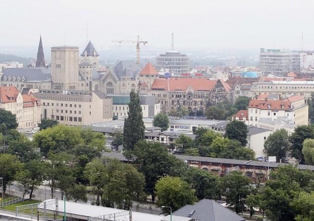 Poznań z perspektywy iglicy Międzynarodowych Targów Poznańskich.
